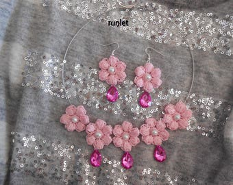 Flower necklace roses with pearls and pink crochet earrings made of cotton
