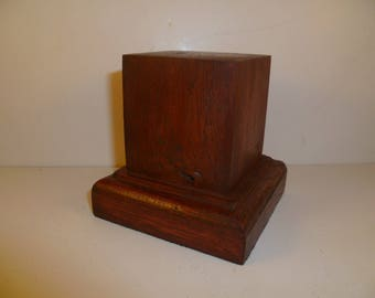 Made with beech and oak schc3 for figurines square wood base
