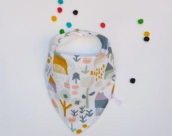 Rustic pattern on white bandana bib