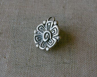 Vintage silver plated, vintage pop style flower charm