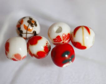 Ceramic red & white set of 6 round beads ❤