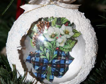 Gorgeous ornament in 3D, 2 flowers of Christmas