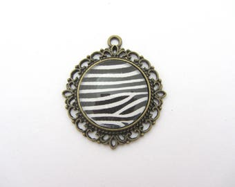 A pendant with glass cabochon bronze Zebra