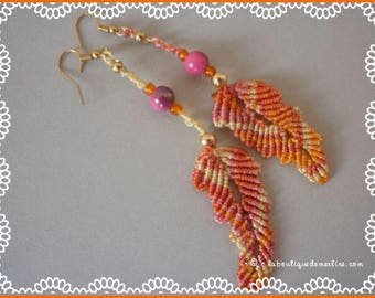 Earrings: micro-macramé in fall colors feathers