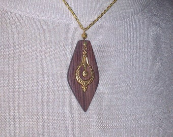 Long wood necklace