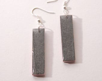Dangle earrings, rectangle, iridescent and pale pink grey