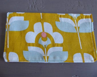 Cover checkbook in grey, white and mustard yellow vintage floral patterned cotton