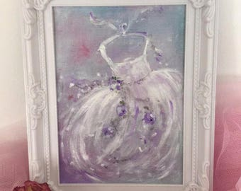"""Romantic purple flowers and white"" shabby chic style"