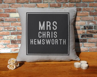 Chris Hemsworth Pillow Cushion - 16x16in - Grey