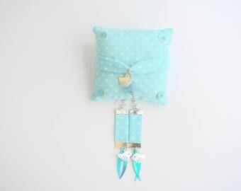 set bracelet earrings with white polka dots