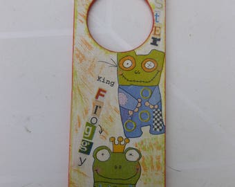 plate door representing a boy and funny animals
