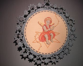 Suspension of felt embroidered Angel painting