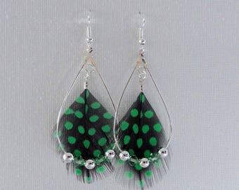 Dangle drop earrings, feathers and swarovski pearls