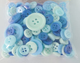 152 buttons of various sizes blue 3 shades of blue