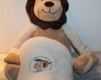 Plush lion and his stuffed animals embroidered