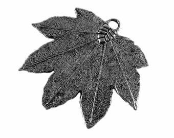x 1 - big leaf Maple - metal - silver charm