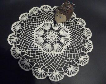 Handmade lace doily in ecru Mercerized cotton