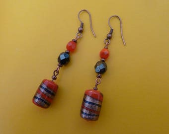 Lobe earrings. Red passion.