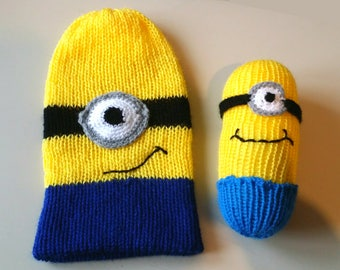 Yellow knit boy hat. Yellow and blue hand-knitted hat.