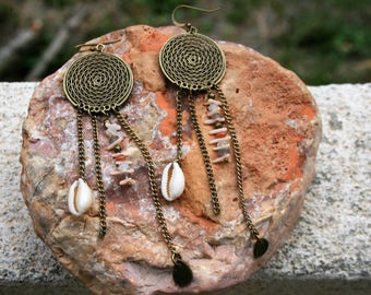 NOUAKCHOTT ethnic hoop earrings. Cowrie shells & minerals