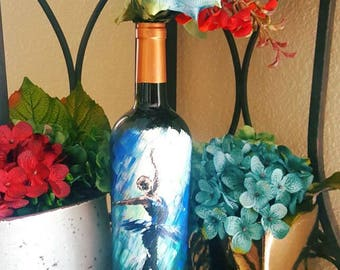 "Decorative wine bottle ""in the spotlight"" hand painted. One of a kind."