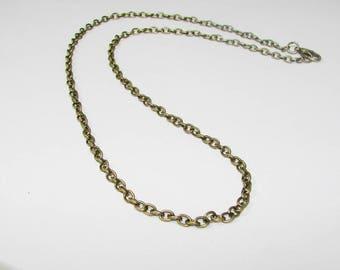 Chain bronze 45.00 cm. Trace.