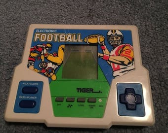 Tiger Electronic Handheld Football 1987 *works great*