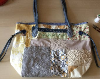 Shoulder bag long handles