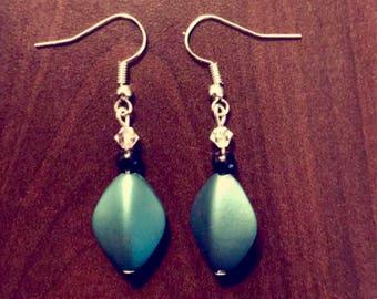 Handmade tourquoise bead dangle earrings