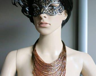 Cinnamon, brilliant canelles tones bib type necklace