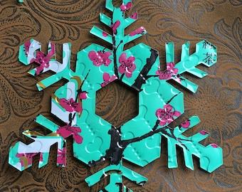 Snowflake using recycled Arizona Tea aluminum can