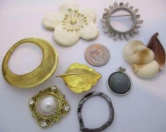 113852: Lot Of Vintage Findings