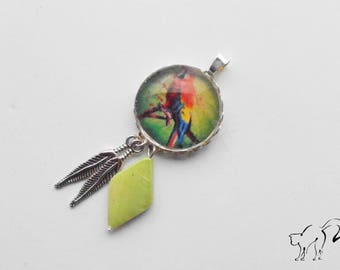 Silver Cabochon pendant, Parrot and feathers