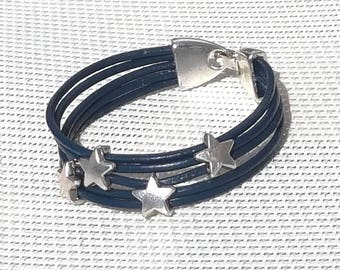 Midnight juxtaposes blue leather bracelet, Star beads