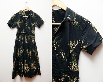 Vintage 1950s dress black floral novelty print shirt dress