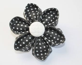 Kit origami brooch in black and white fabric