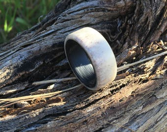 Hunstman / Carbon Fiber and Elk Antler Ring