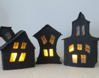 PATTERN:  Halloween gift,hollowout house, with drawing, easy to made. Children gift.