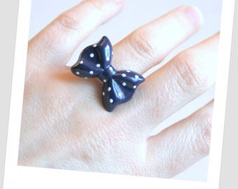Bow tie Navy dot ring