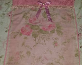 SHABBY CHIC PINK TOWEL DECORATION