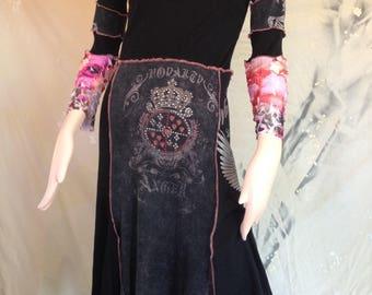 TeeRags BoHo dress Size S Fluer de lis rhinestones black pink