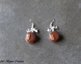Polymer clay macaroon earring