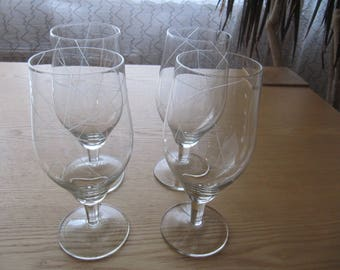"Set of 4 vintage wine glasses from series ""Mi"""