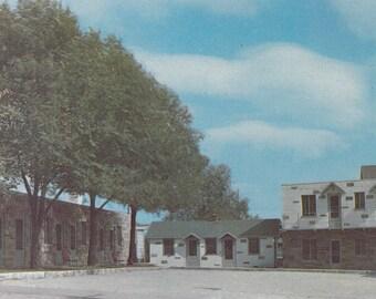 Aurora, Illinois Vintage Postcard - Metzger's A-1 Cabins, Vintage Motel