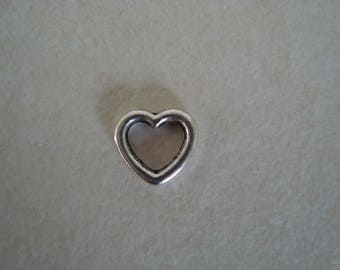 1 cm silver coloured metal heart