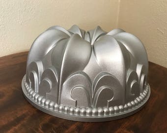 Tea Cake Baking Mold Or Candies Pan By Nordicware Heavy Metal