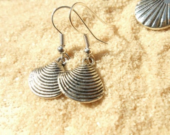 Been shell Silver earrings