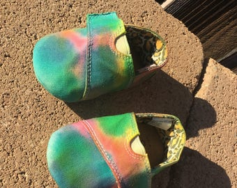 Tie dye baby shoes