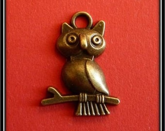 Antique bronze OWL charm