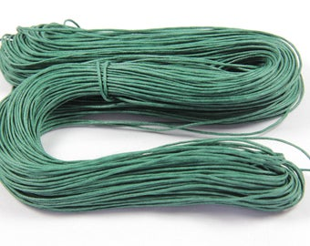 Skein of approx. 80 M green duck cord 1 mm waxed cotton thread